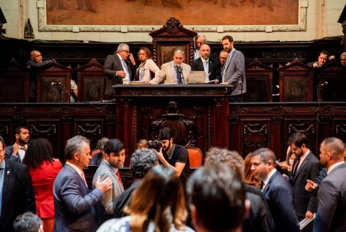 Plenário da Alerj terminou de votar propostas nesta terça-feira