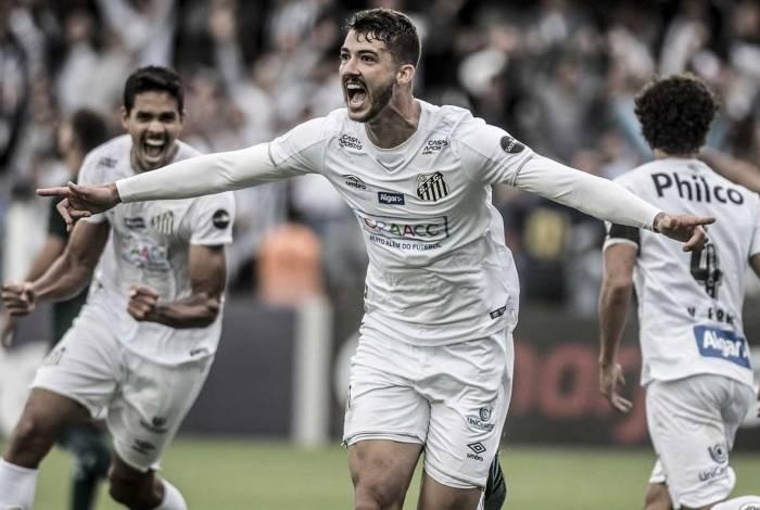 O zagueiro Gustavo Henrique, de 26 anos, foi um dos destaques do Santos, vice-campeão brasileiro: ele chega para brigar por uma vaga no time