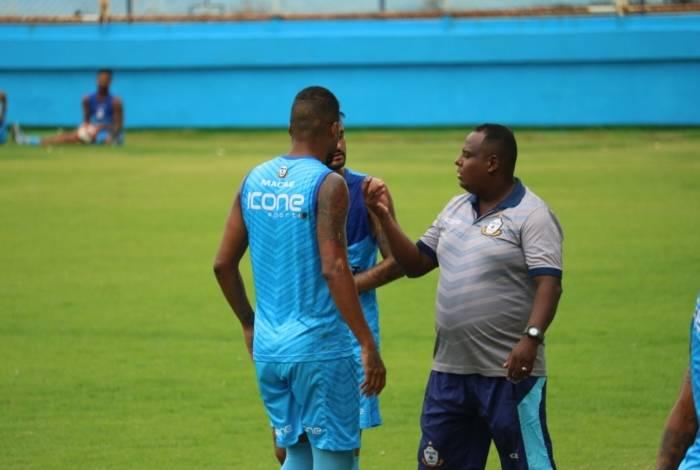 Técnico Mário Júnior está consciente e vem recebendo todo auxílio por parte da direção do Macaé Esporte