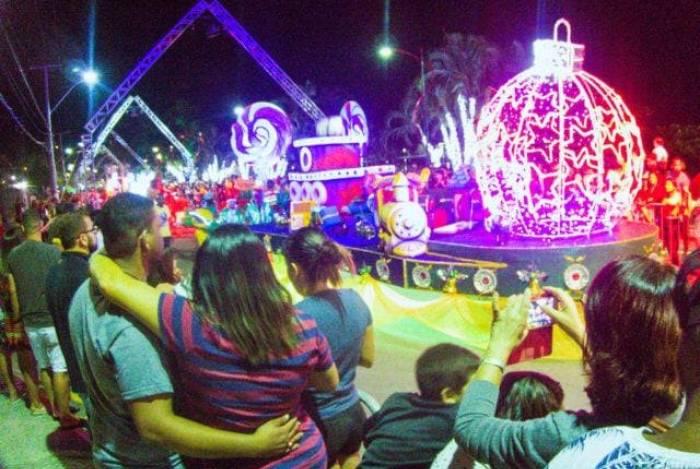 Desfile de Natal Iluminado em Maricá