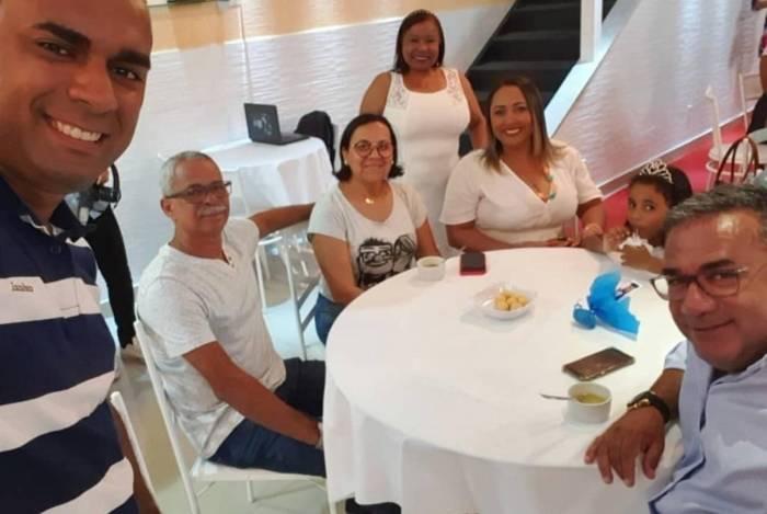 Irmão de Anitta comemora reencontro dos pais após mais de 30 anos