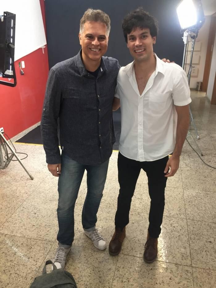 Walter Nunes posou com Juan Alba nos bastidores de