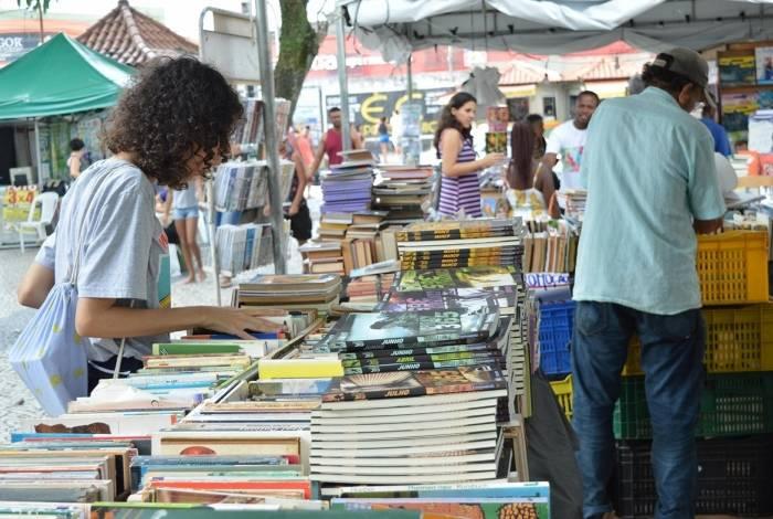 As tendas vão funcionar das 8h às 17h e têm livros de diversos gêneros literários