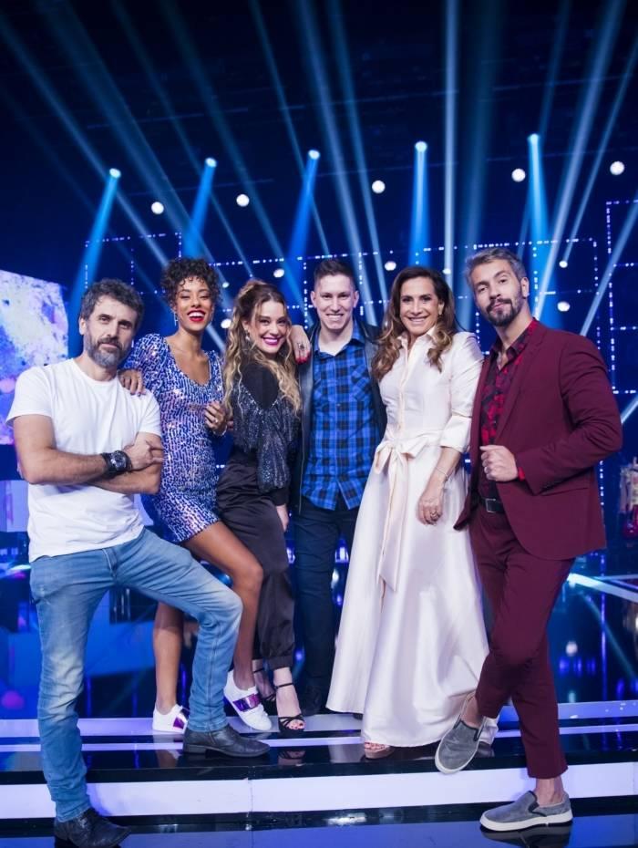 Os finalistas do Popstar: Eriberto Leão, Yara Charry, Helga Nemetik, Jakson Follmann, Totia Meireles e Danilo Vieira