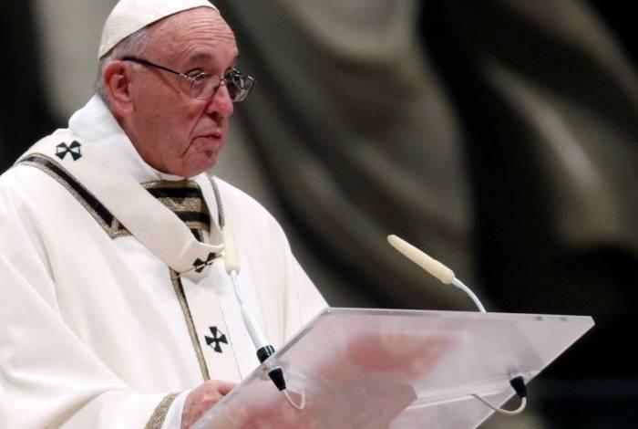 Papa Francisco pede que as pessoas conversem mais durante as refeições