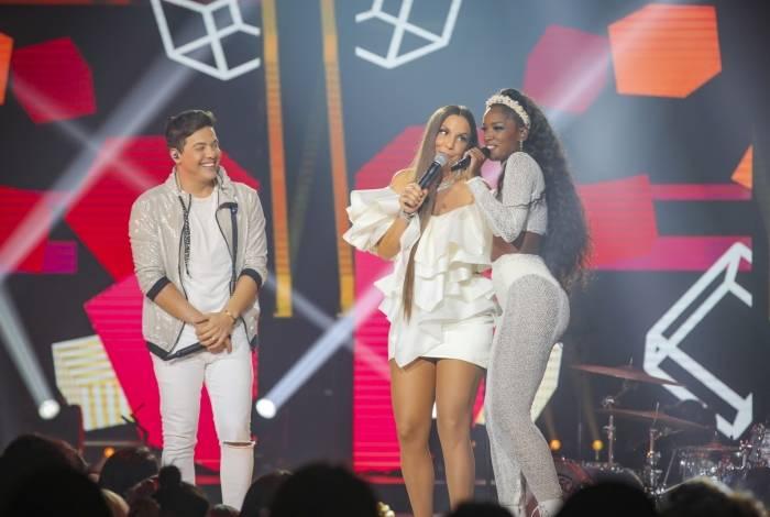 Wesley Safadão, Ivete Sangalo e Iza no palco do 'Show da Virada'
