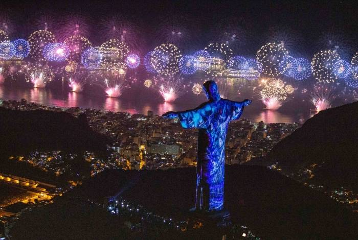 Cristo Redentor vai ganhar projeção de imagens na noite de Réveillon. Fernando Maia/RioTur