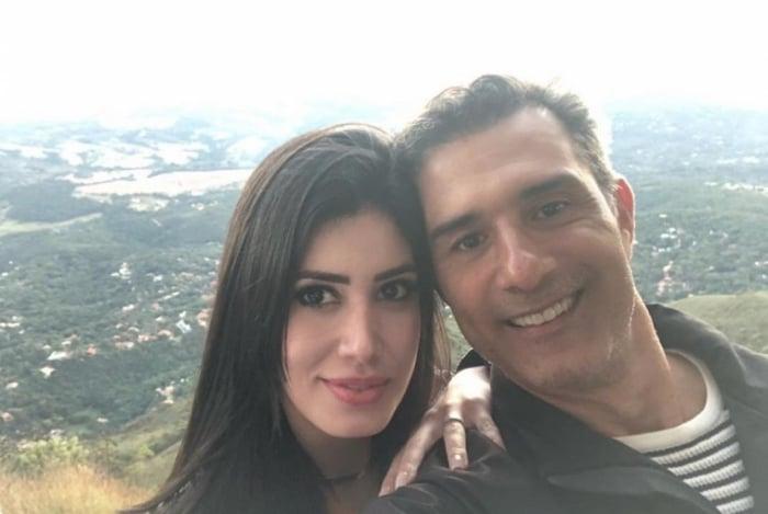 Mariana Brito e Marcos Pasquim