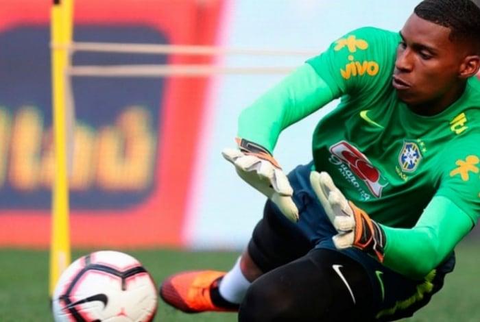 Hugo Souza já atuou pela seleção brasileira de sua categoria