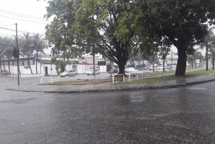 Chuva causou alagamentos em Campo Grande