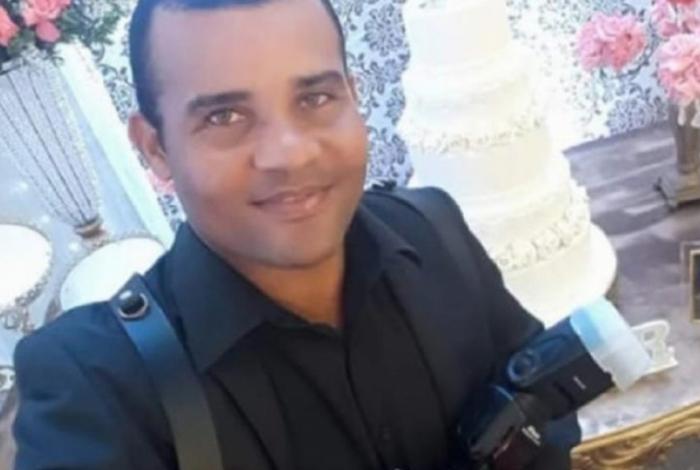 Vítima namorava a ex-mulher do policial a alguns meses