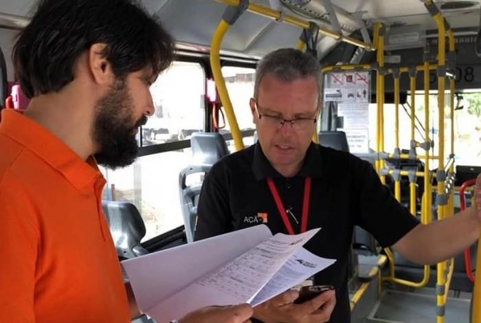 Samuca Silva iniciou o dia fiscalizando o início das operações das empresas consorciadas ao Sindpass