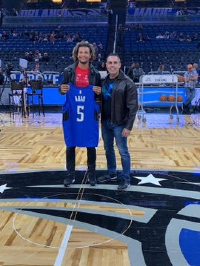 Willian Arão é homenageado na NBA
