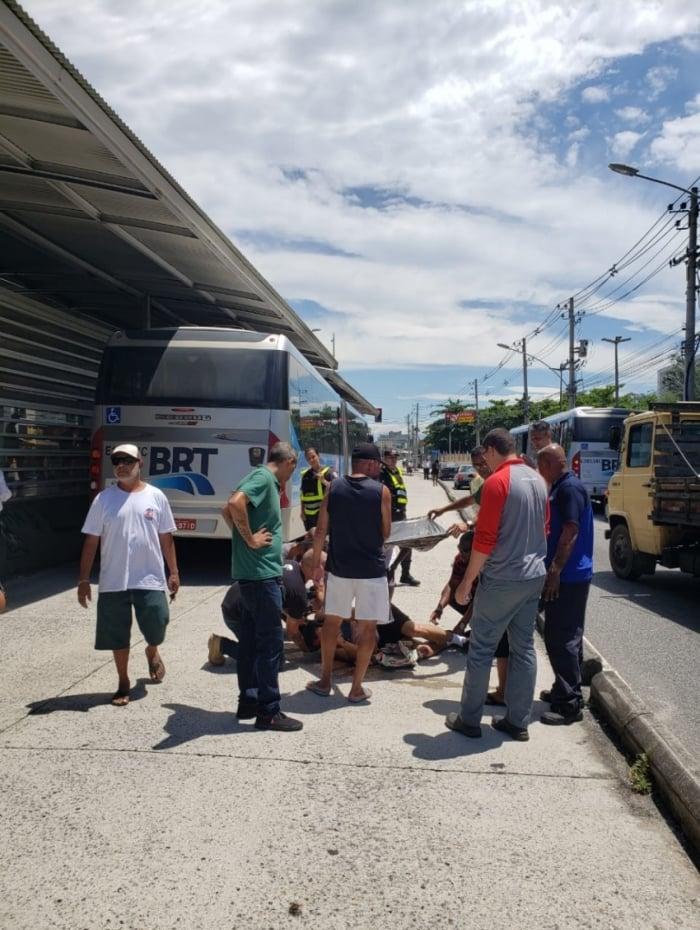 Homem foi levado para o Hospital Lourenço Jorge