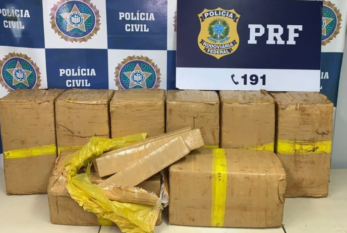 PRF e Polícia Civil apreendem 200 quilos de maconha na BR-465