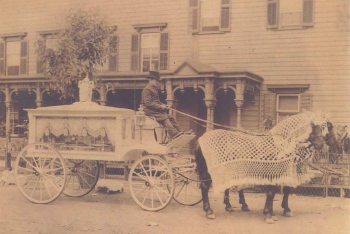 1822: não era fácil alugar uma carruagem e só prestava serviço de transporte quem fosse licenciado pelo governo