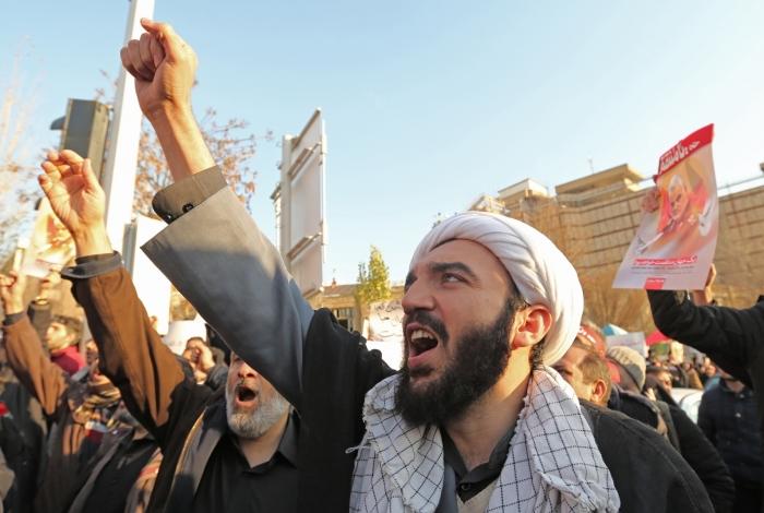 Manifestantes protestam em Teerã, capital do Irã