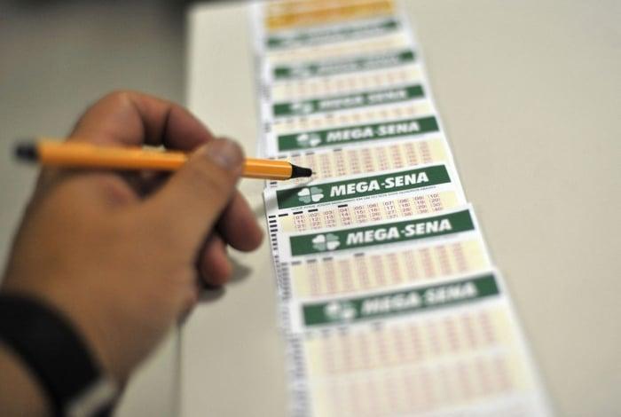 Mega-Sena acumula e vai sortear premio de R$ 27 milhões neste sábado