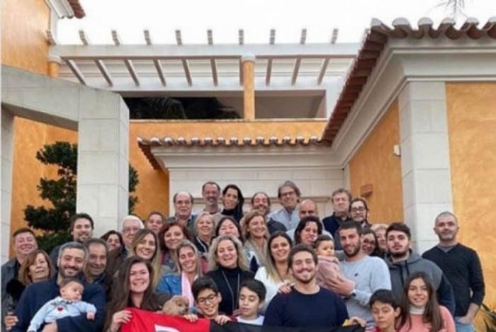 Jorge Jesus, treinador português do Flamengo, fez post com familiares em Portugal