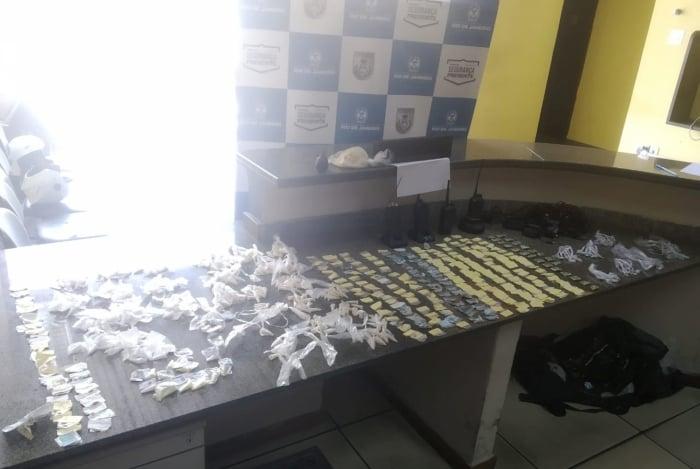 Operação Nova Iguaçu Presente apreende granada e farta quantidade de drogas