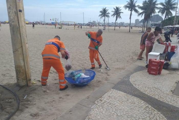 Comlurb recolheu mais de 48 toneladas de lixo no Bloco da Favorita, em Copacabana