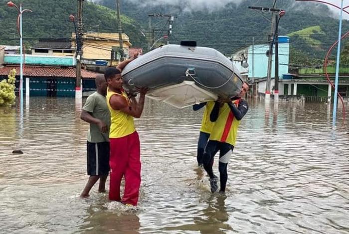 Enchente Em Maricá (Bairro Itapeba)