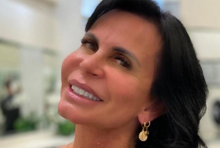 Gretchen quer processar Carlos Bolsonaro