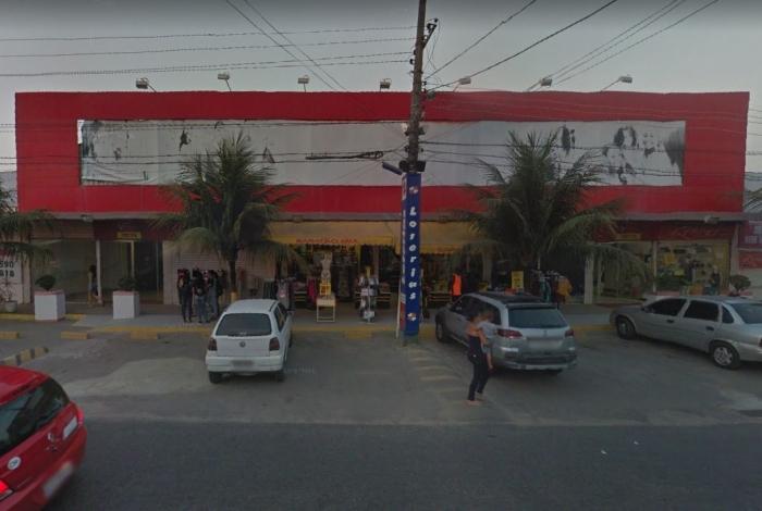 Quatro pessoas foram ficaram feridas após disparo de arma de vigilante dentro de uma lotérica do Shopping Via Iguaçu