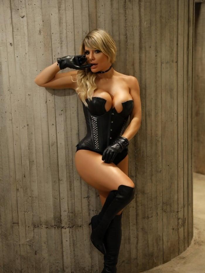 Ex-coelhinha da Playboy, Viviane Bordin