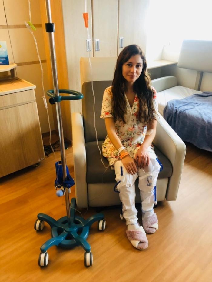 Maria Melilo troca próteses de silicone