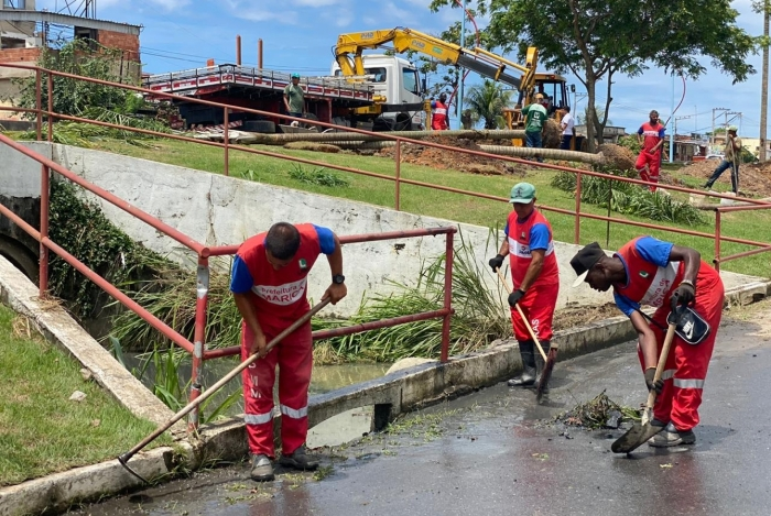 Prefeitura faz limpeza nas áreas afetadas pelas chuvas