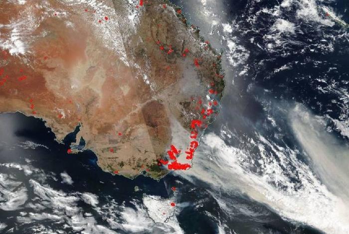 Satélite mostra trajeto de fumaças dos incêndios na Austrália