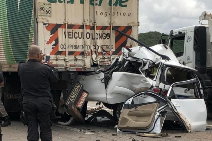 Carro de Jonas Padula colidiu em traseira de carreta no Arco Metropolitano, em Duque de Caxias. Empresário de Queimados morreu na hora