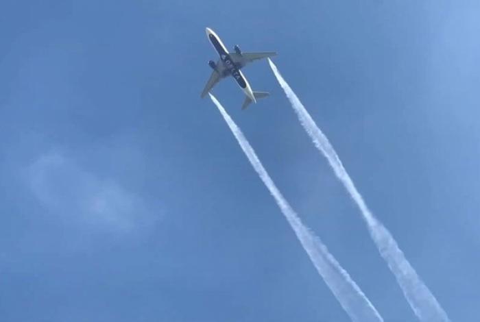 Avião precisou despejar combustível para aterrizar de maneira segura