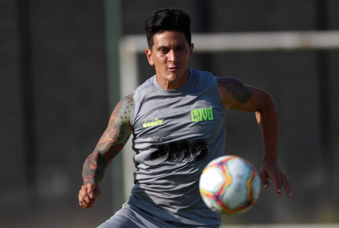 Germán Cano: intimidade com a bola durante os treinamentos