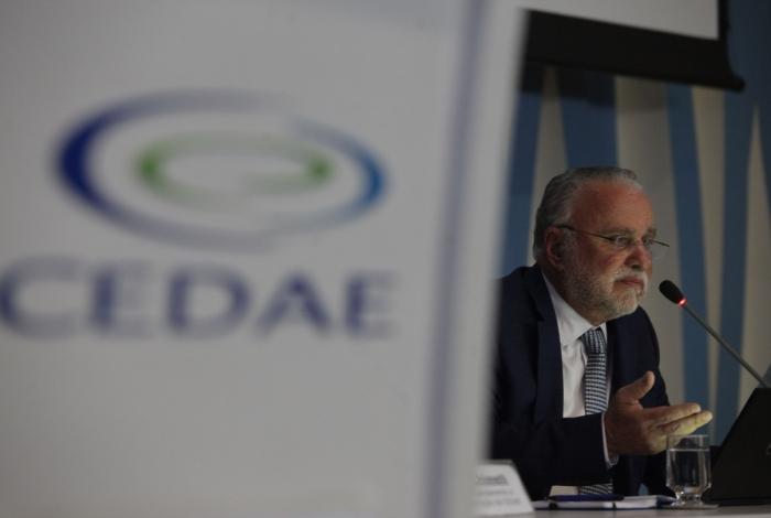 Presidente da Cedae, Hélio Cabral, falou que geosmina não estará presente na água a partir da próxima semana