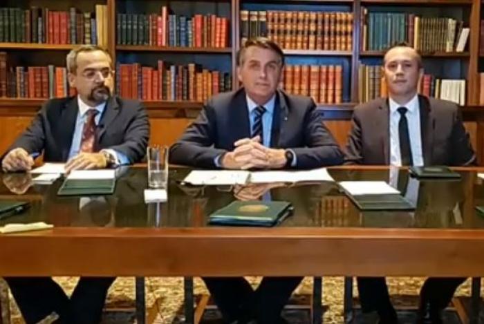 Secretário de cultura, Roberto Alvim, participou de live com Bolsonaro na noite de quinta-feira