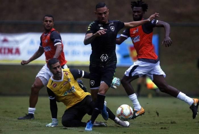 Botafogo perdeu jogo-treino