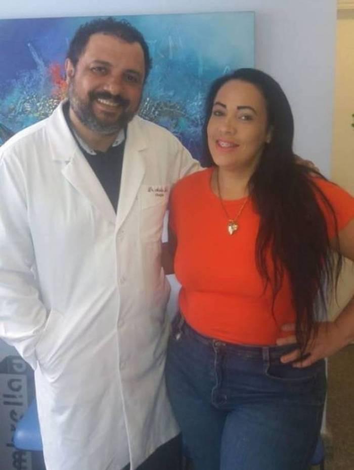 Fabiana Escobar e seu médico Aurilio Luís