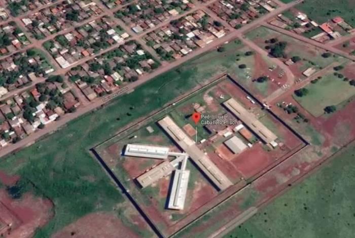 Vista aérea da Penitenciária Regional de Pedro Juan Caballero, na fronteira entre Paraguai e Brasil