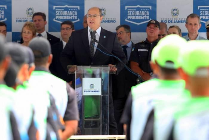 Na cerimônia do Copacabana Presente, Witzel disse que mandou Cedae criar auditoria para investigar água
