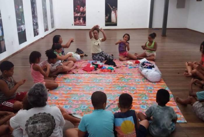 Casa do Jongo da Serrinha oferece colônia de férias gratuita para a comunidade