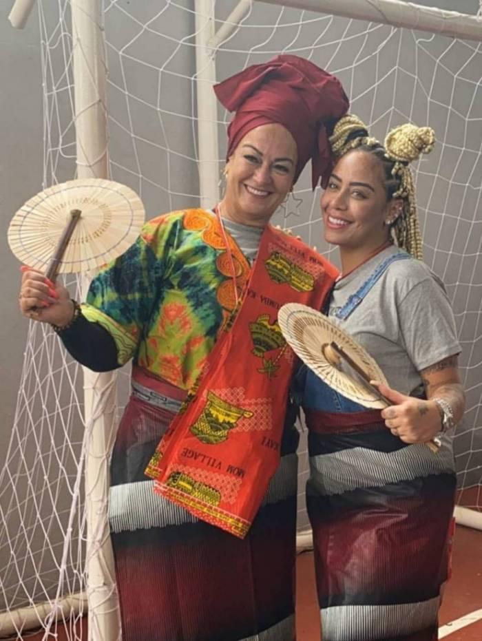 Rafaella Santos e sua mãe Nadine estão em missão humanitária na África