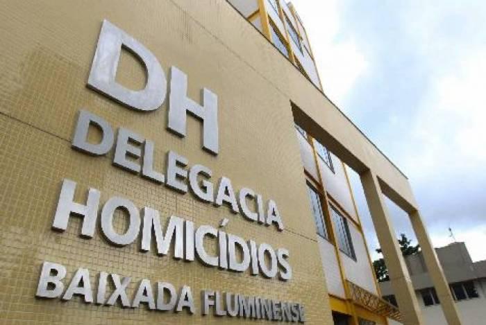 De acordo com a DHBF, o criminoso é investigado como autor de homicídios e acusado de aterrorizar os moradores daquela região