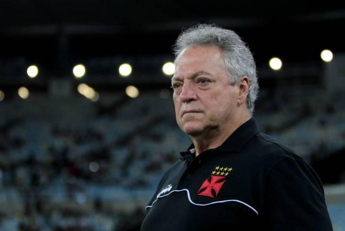 Técnico do Vasco, Abel Braga está pressionado pelo mau começo no comando do time