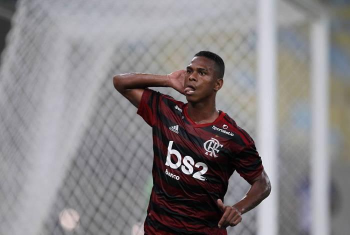 Lucas Silva, atacante do Flamengo, rejeita primeira oferta do Farense, de Portugal