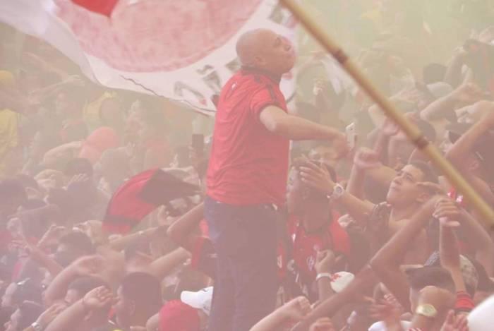 Puxador da Raça Rubro-Negra há mais de 20 anos, Lula encerra o ciclo contra o Vasco, mesmo adversário que marcou o recomeço de sua trajetória
