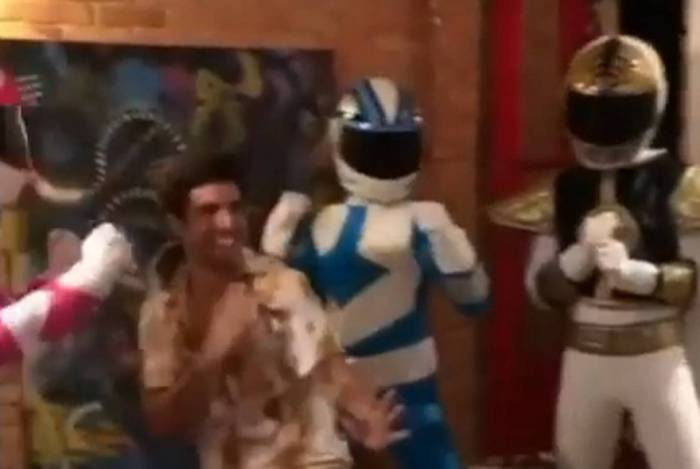 Caio Castro faz festa de aniversário com tema 'Power Rangers'