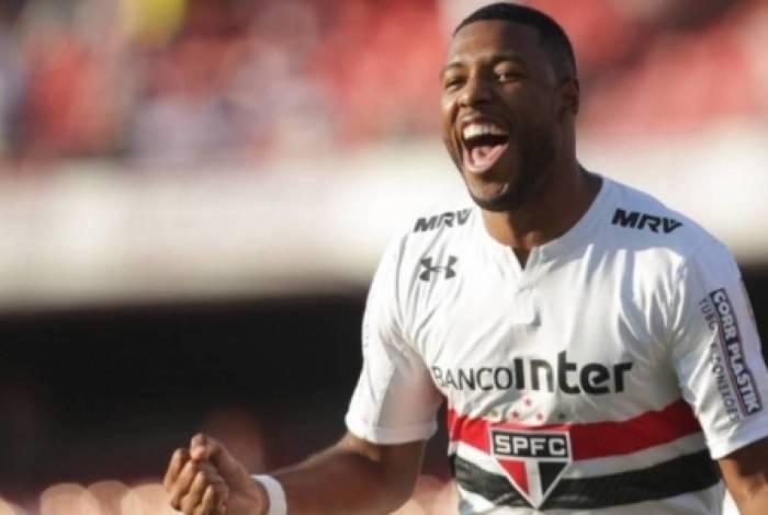 Vasco se acerta com São Paulo e confirma empréstimo de Jucilei até o fim de 2020