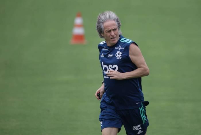 Com tr�s atacantes do radar de Tite, Jorge Jesus pode abrir o leque no Flamengo